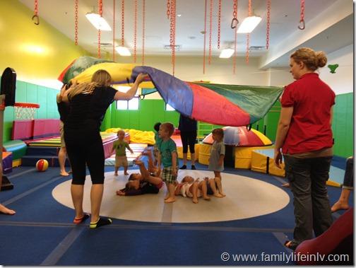 Kidville Parachute Time