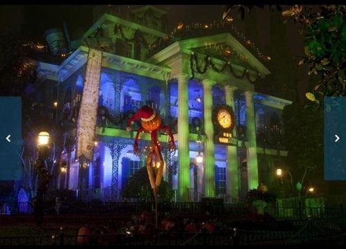 Disneyland Haunted Holiday Mansion