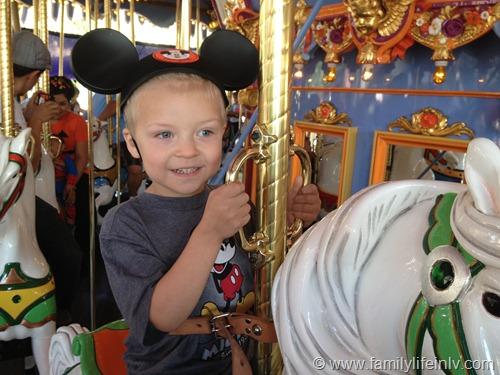 """Disneyland"" ""Disneyland California"" ""Disneyland Family"" ""Disneyland Trip"" ""Disneyland Kid"""