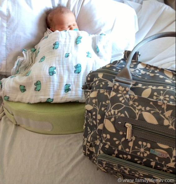 """""""JJ Cole"""" """"JJ Cole Collections Caprice Diaper Bag"""" """"Caprice Diaper Bag Review"""" """"Diaper Bag for Cloth Diapers"""" """"Sylish Diaper Bag"""" """"Big Diaper Bag"""""""
