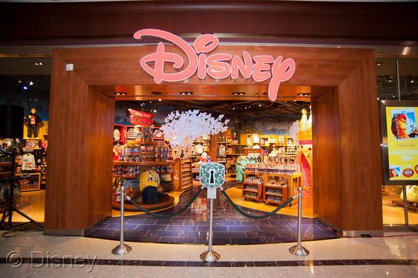"""Grand Opening Disney Store"" ""Disney Store"" ""Las Vegas"" ""Disney"""