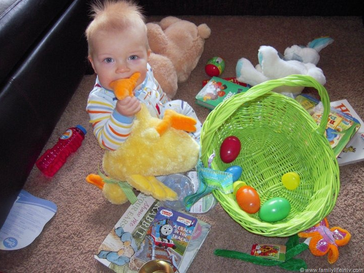 """""""Easter Basket Ideas"""" """"Easter Basket for Baby"""" """"Easter Basket for Toddler"""" """"Easter Basket for Kids"""""""
