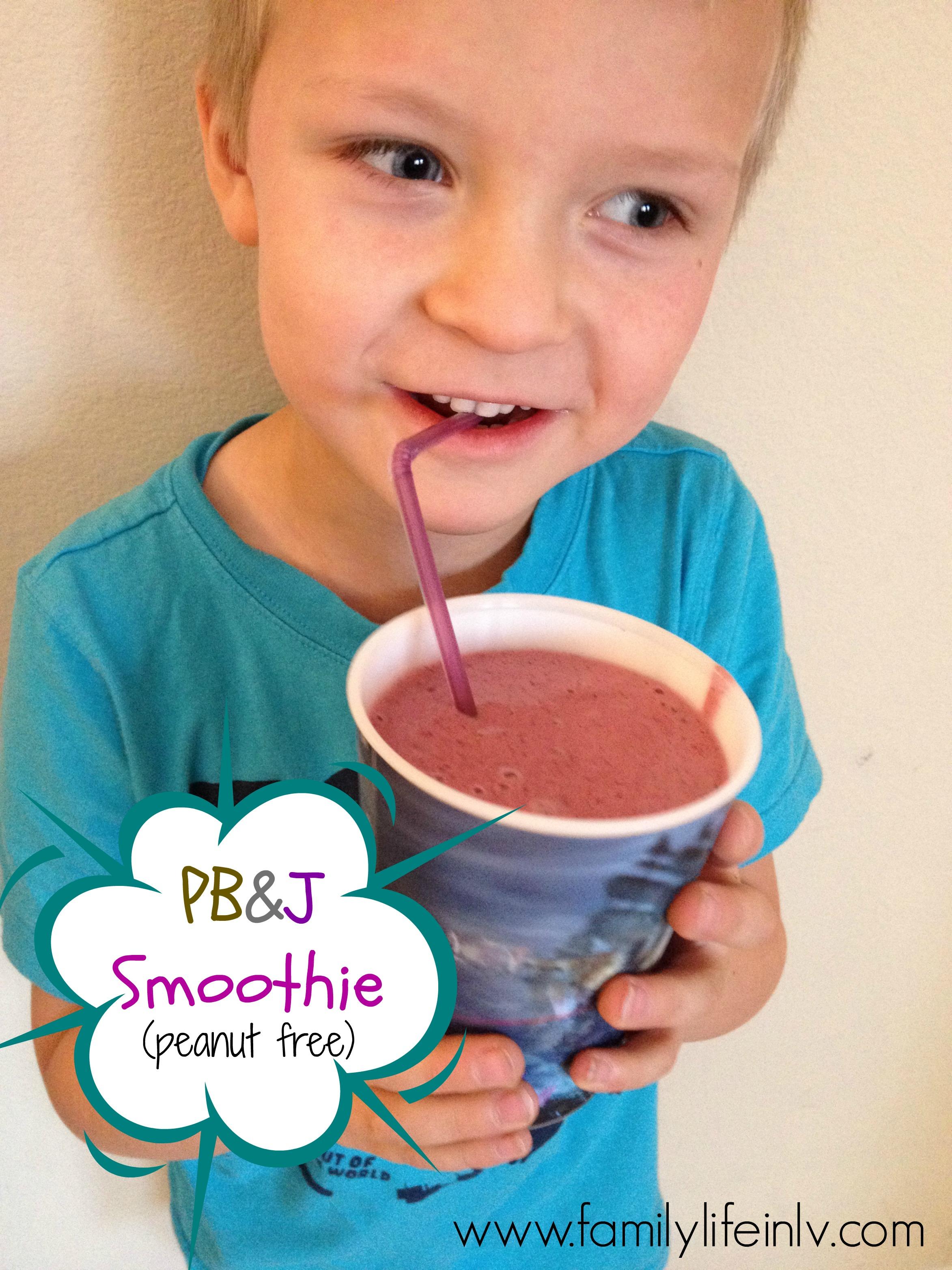 """""""Fresh & Easy Smoothie"""" """"Smoothie Recipe"""" """"PB&J Smoothie"""" """"Smoothie for kids"""""""