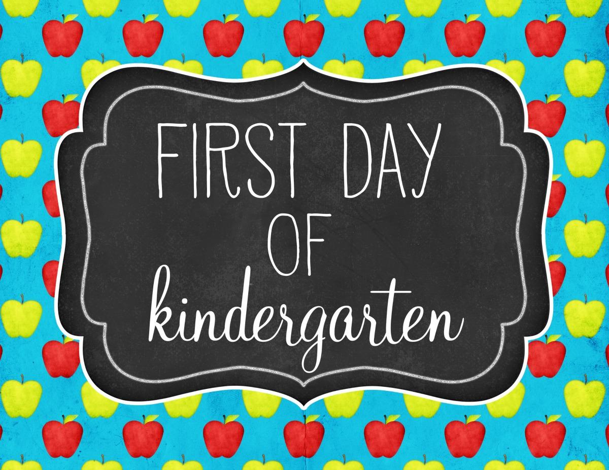 """First Day of Kindergarten"" ""Kindergarten Free Sign"" ""First Day of School Printable"" ""Kindergarten Printable"" ""Free Printable"""