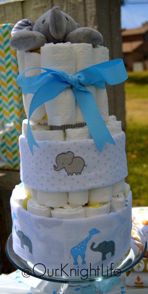 Elephant Diaper Cake Tutorial - How to make an easy and cute Diaper Cake